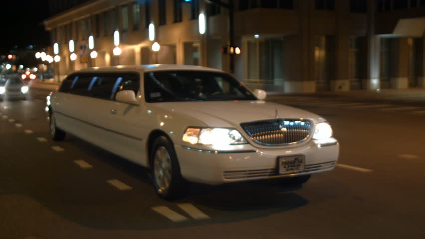 Benefits Of Hiring An Airport Limo