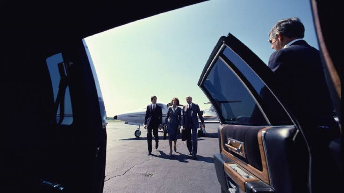 Which Limousine Service Is Best For Pickup At The Airport?