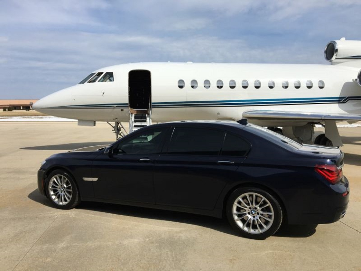 Ease Of Travel With Toronto Pearson Airport Limo