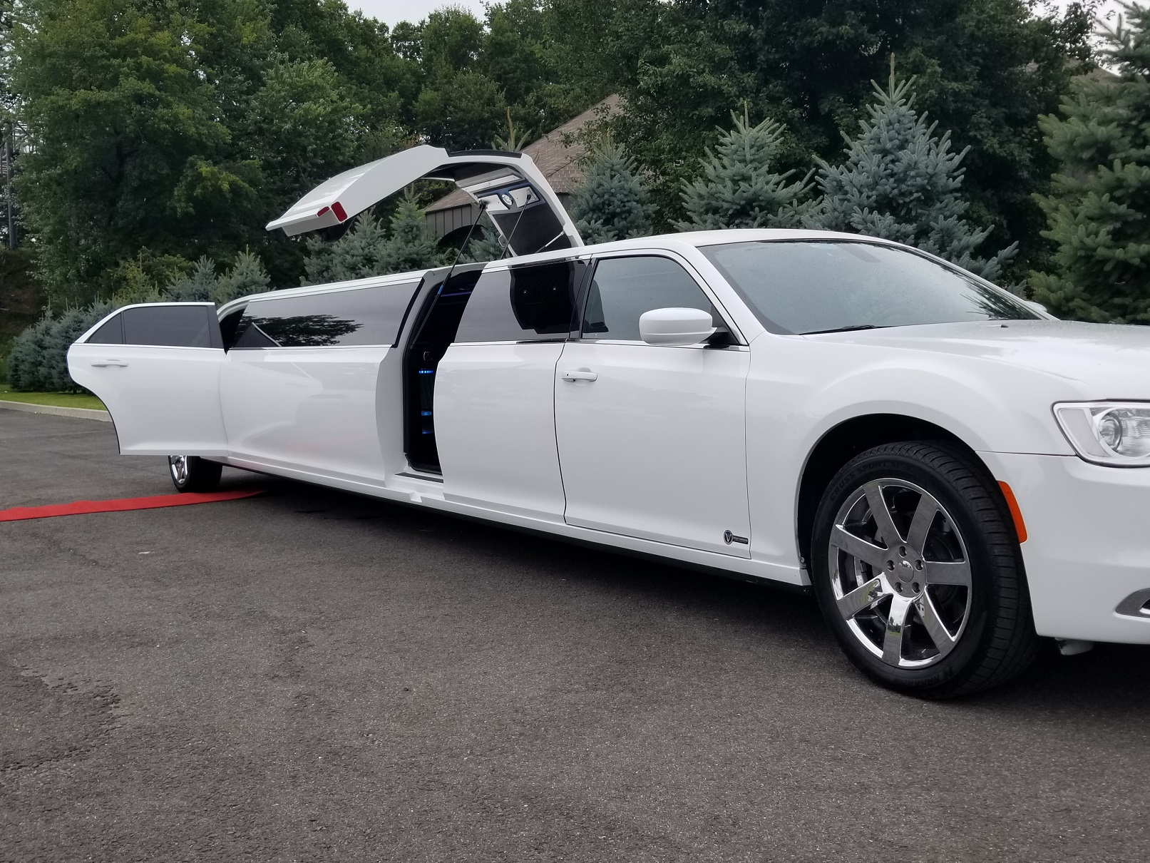 Limo Rental Scarborough With Hummingbird Limousine Service